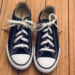 Kids converse shoes  size 2Y